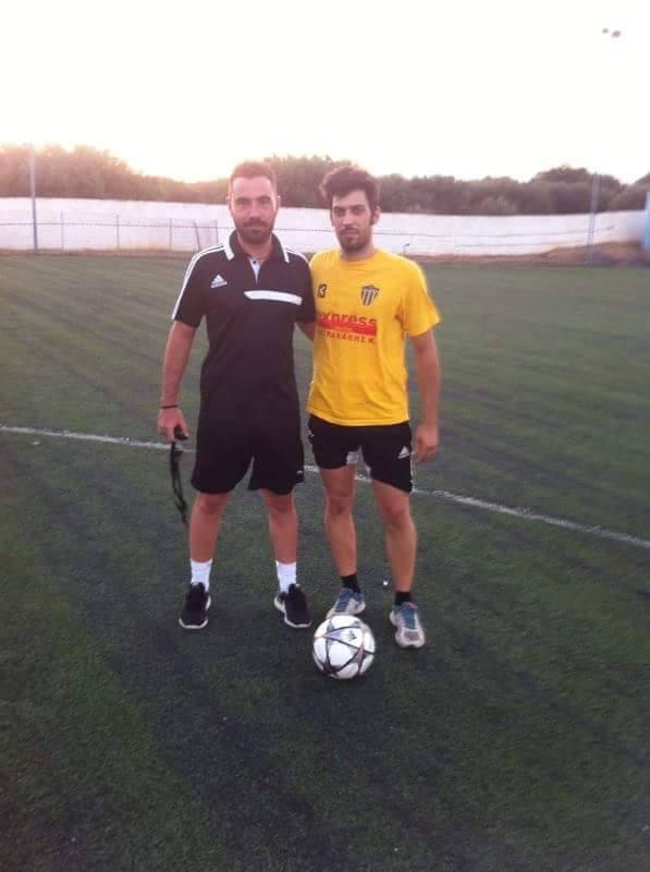 Ο προπονητής της ομάδας Αλέξης Κούρτογλου με τον νεοαποκτηθέντα Χαράλαμπο  Καφετζόπουλο