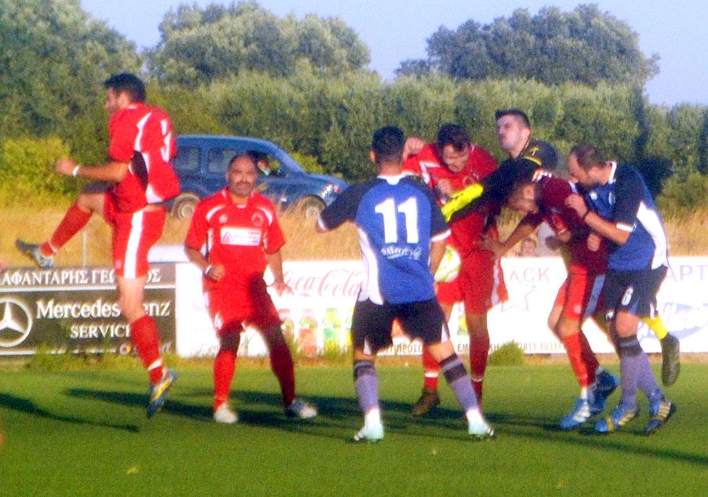 Γήπεδο Αγίων Δέκα. Γόρτυς - Μοίρες, στιγμιότυπο  από τη συνάντηση τους στον πρώτο γύρο